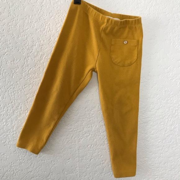 ec577c0503855 Zara BabyGirl Ribbed leggings. M_5cb609b026219f7bad7387b3